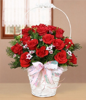 China Flower Delivery - Two Dozen Rose Basket