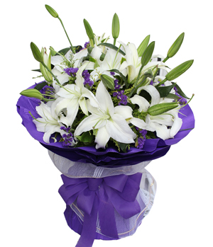 9 White Lily Bouquet