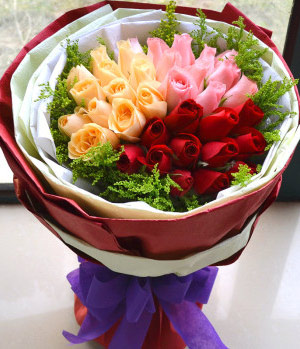 33 Mixed Roses: Birthday Gift, Flowers Delivered