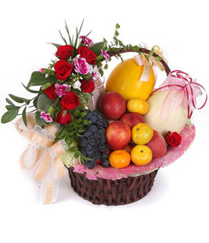 Flower Fruit Arrangements: Delivered in China