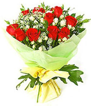The Best: 12 red roses bouquet arrangements