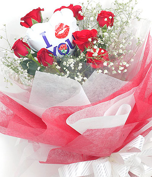 9 red roses with balloon