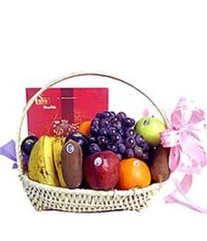Miss relatives fruit gift basket
