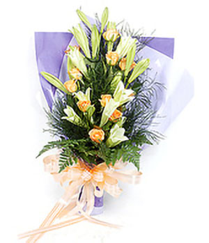 The same dream - 11 orange roses, 9 easter lilies