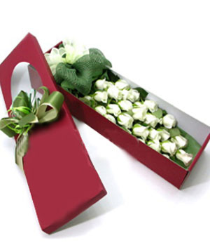 24 long stems white roses in a box
