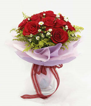 China flower delivery - dozen rose bouquet
