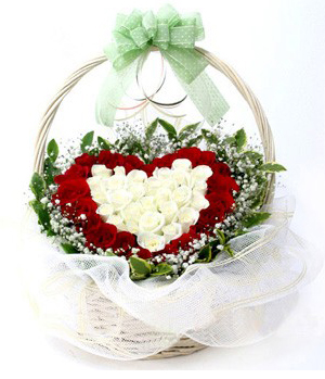 China flowers service - Heart-shape flower arrangment