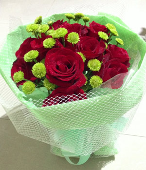 Green Gerbera And Red Roses Bouquet To China