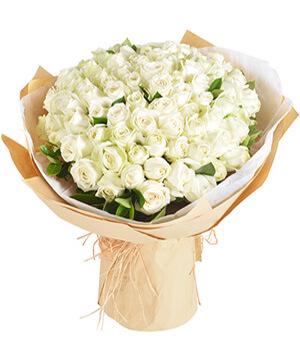 Forever Heart: 99 White Roses